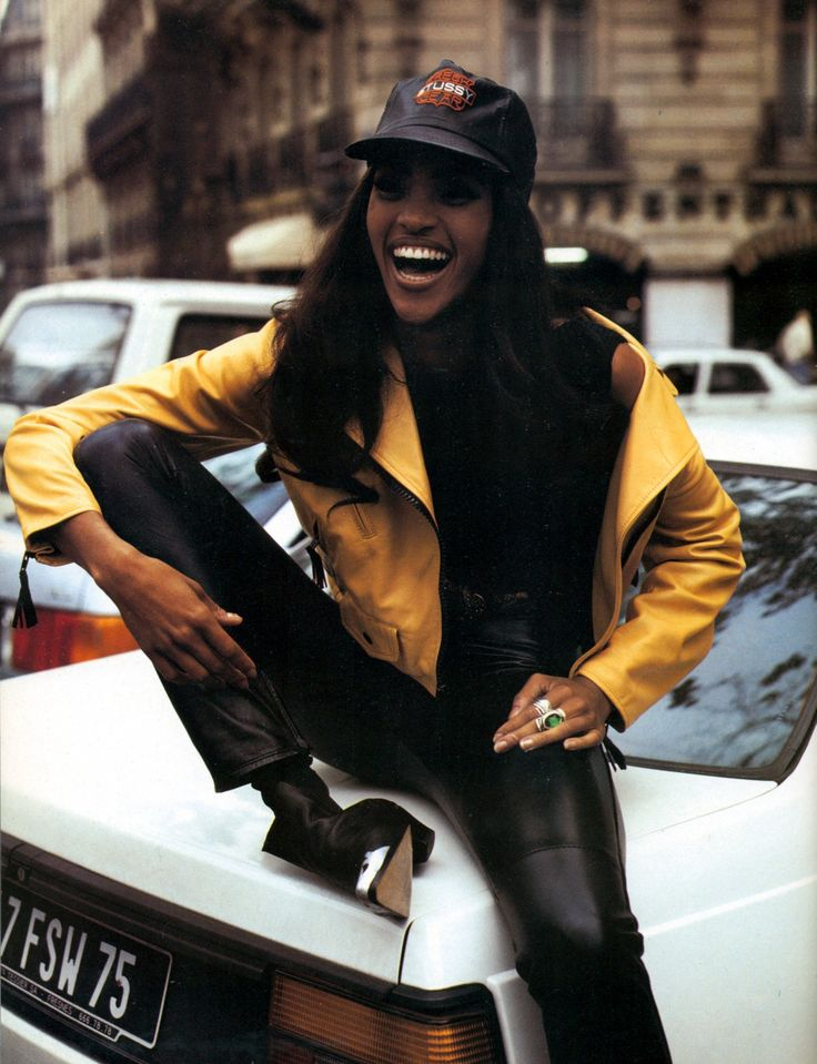 "Pin it Send Like Vogue Italia's May 1992 editorial ""Perfecto?"" starring Naomi Campbell, Stephanie Seymour, and Stephanie Roberts"