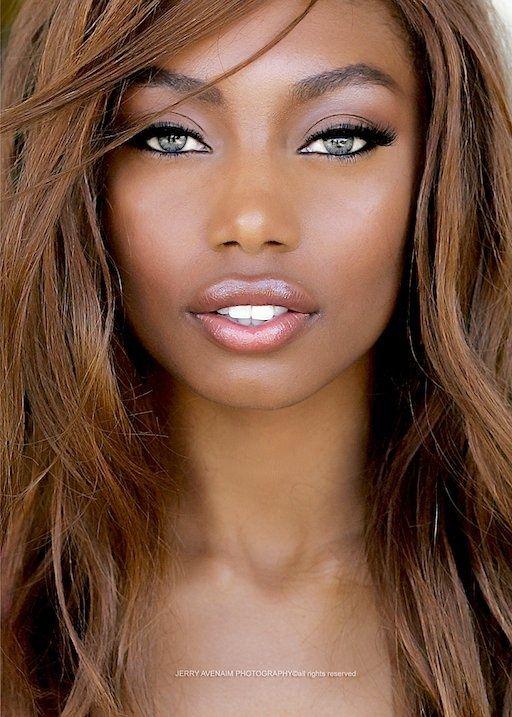 Se inscreva hoje mesmo no Curso de Maquiagem para a Pele Negra da Camila Nunes.  Acesse o link-→ https://go.hotmart.com/B5163683M