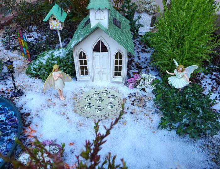 14 Fairy Garden Ideas For Kids At Heart · Miniature FairiesMiniature ...
