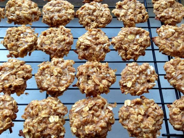 Healthy Peanut Butter Banana Oatmeal Cookies - 2 ripe bananas, 1/3 c. peanut butter, 1/2 c.unsweetened applesauce, 1 tsp vanilla, 1/4 tsp salt, cinnamon, 1 1/2 old fashion oats, 1/2 c. shredded coconut. GP: reduce cinnamon, possibly omit coconut @Sara Eriksson McKenzie