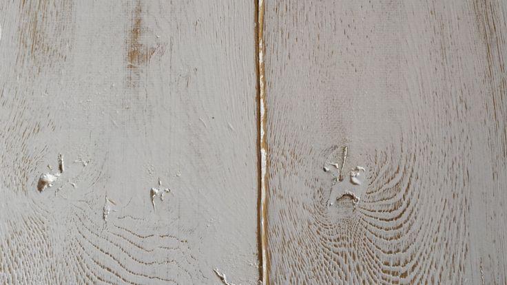 geschilderde vloeren: hand gekrabde v groef en handgeschuurd