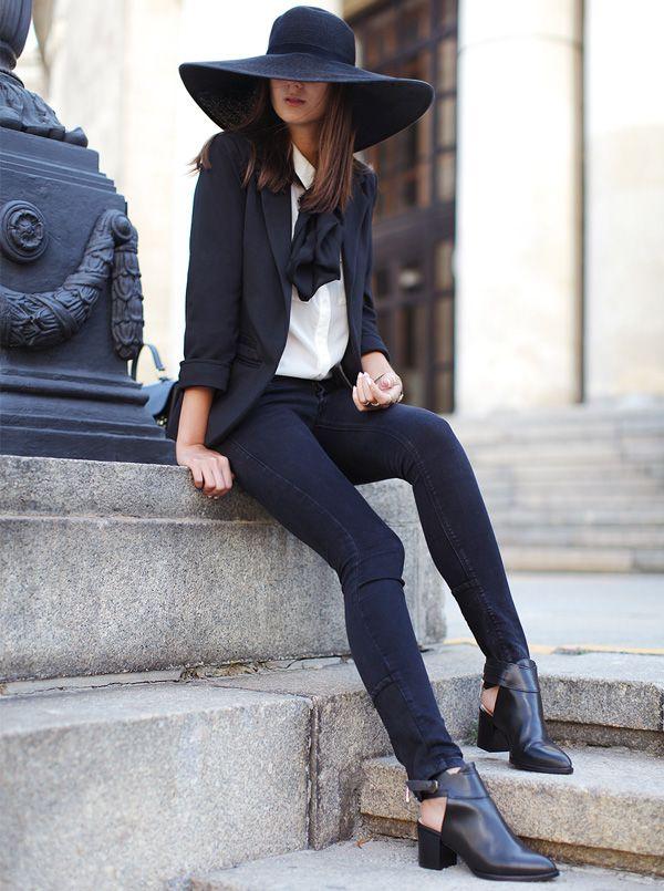 look terno blazer preto chapéu