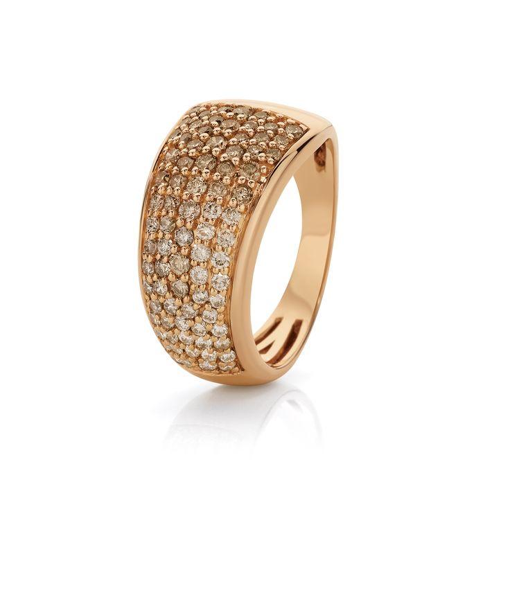 Beautiful Rose Gold 1.00ct Graduated Diamond Dress Ring.
