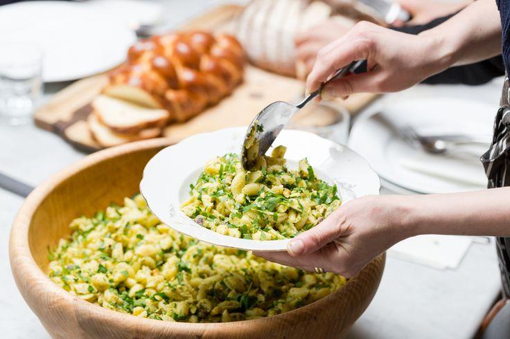 #MinaStone makes a #vegan #Pesto #Pasta #Salad with #Pistachio #Nuts and fresh #Parsley