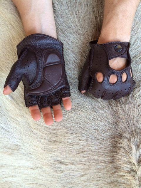 Sin dedos guantes de cuero de los hombres de leathergloves4u en Etsy https://www.etsy.com/es/listing/180971535/sin-dedos-guantes-de-cuero-de-los