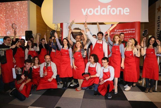 Adrian Hadean va face turul culinar al Romaniei cu Vodafone Firsts!