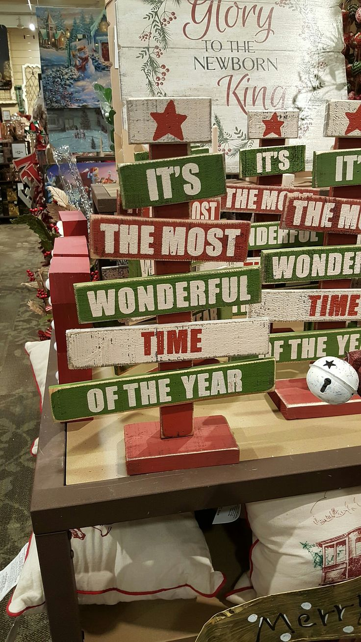 Primitive christmas ideas to make - Christmas Pallet Idea