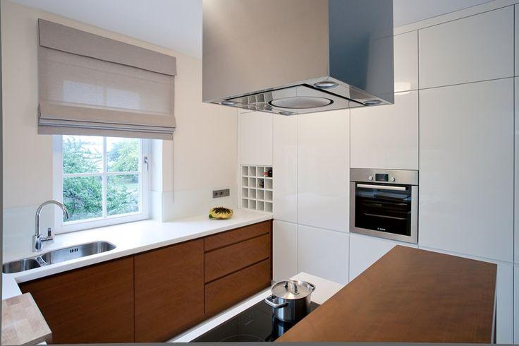 Półotwarta kuchnia połączona z salonem - Architektura, wnętrza, technologia, design - HomeSquare