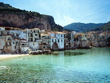 This is in Cefalu in Palermo, Sicily... and I can't believe I will be some palce this beautiful in March.