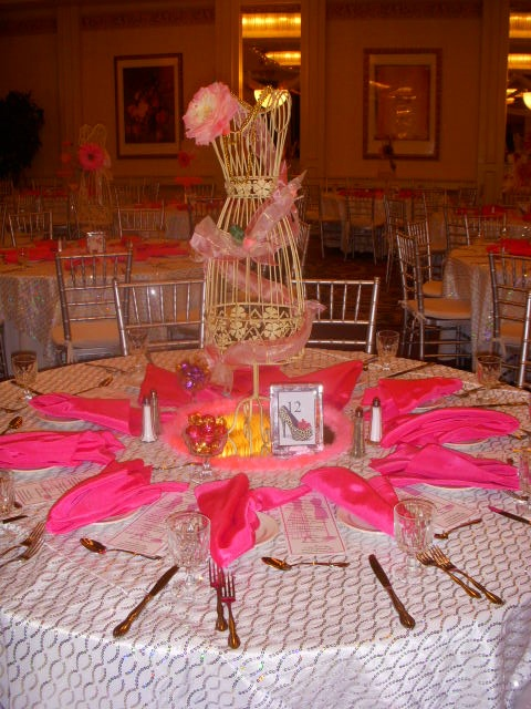 Wire Mannequin Centerpiece Idea Pink And Gold
