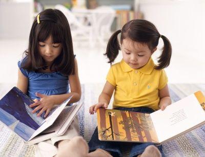 Mendorong Anak Belajar Membaca #GaleriAkal Untuk berbagi ide dan kreasi seru si Kecil lainnya, yuk kunjungi website Galeri Akal di www.galeriakal.com Mam!