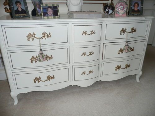 Antique Off White French Provincial Dresser W Gold Trim 62
