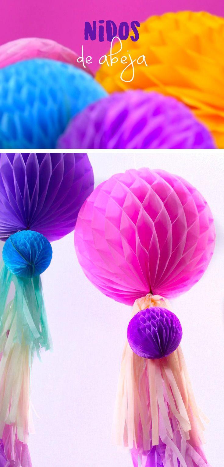 ¿Tienes un evento en puerta y no sabes como decorar? Esta idea te encantará, son unos lindos nidos de abeja son muy fáciles de hacer y lo mejor es que solo necesitas papel de China y pegamento. Son perfectos para decorar cualquier mesa de dulces.