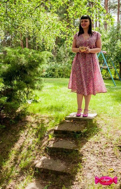 Batystowa, letnia sukienka ze ściągaczem w talii Summer dress