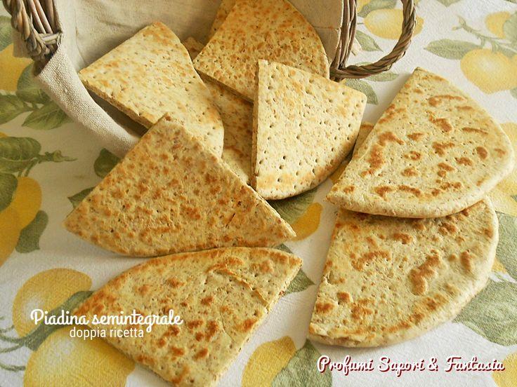 Ottima la piadina semintegrale proposta in doppia ricetta: con lo strutto oppure con l'olio e l'impasto eseguito a mano oppure con il Bimby.
