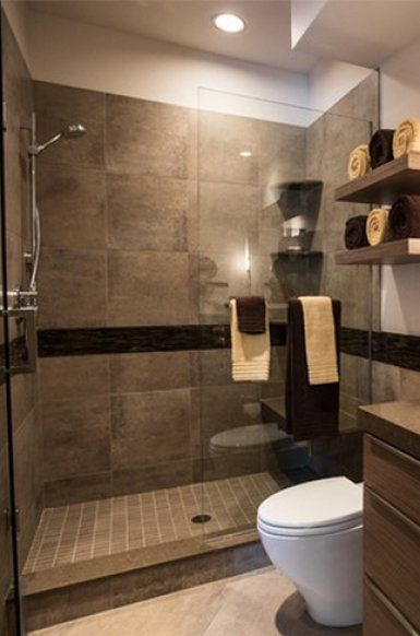Modern zuhanyzó üvegajtóval