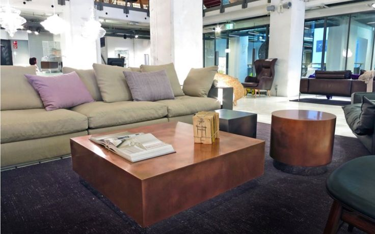 Loren Couchtische of Baxter, designed by the Draga Obradovic studio, in different versions at the CLIC Store.
