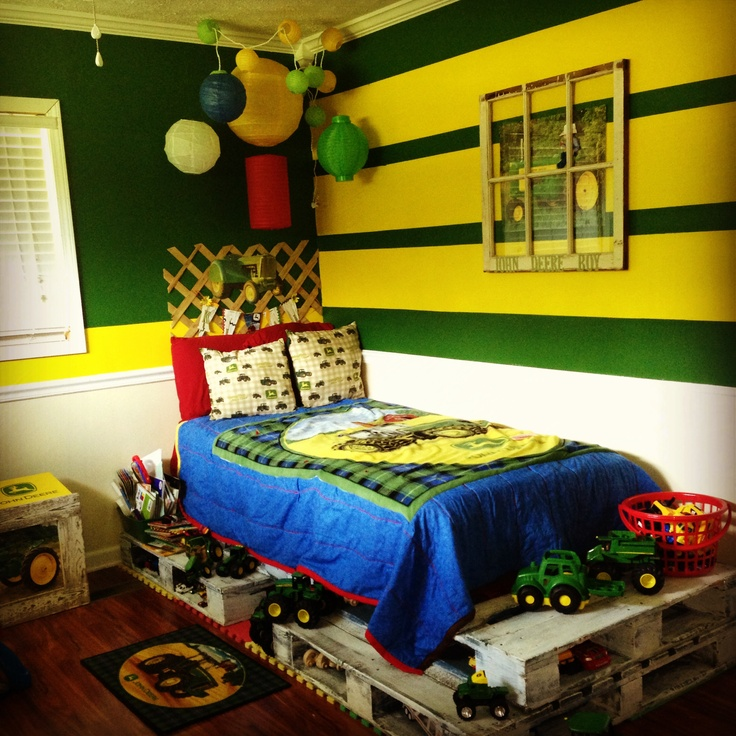 My Little Boyu0027s John Deere Room With A Pallet Bed