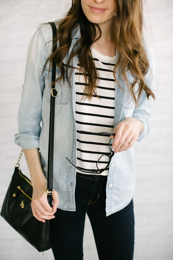Stripes and a denim jacket. Simple but always in style.