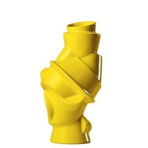 """Muutos vase fordi den er gul, og fordi den hedder """"Closely Separated."""""""