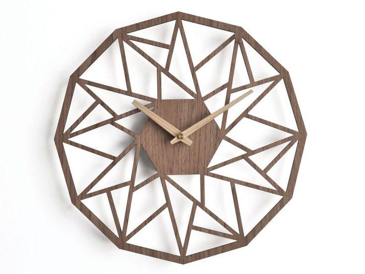 Nowoczesny drewniany ażurowy zegar ścienny orzech - niusdesign - Zegary