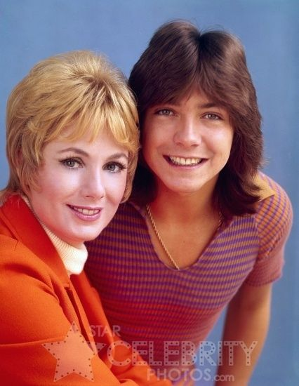 David Cassidy and real-life step-mom Shirley Jones.  Oh how I loved -- and I mean LOVED -- the Partridge Family!
