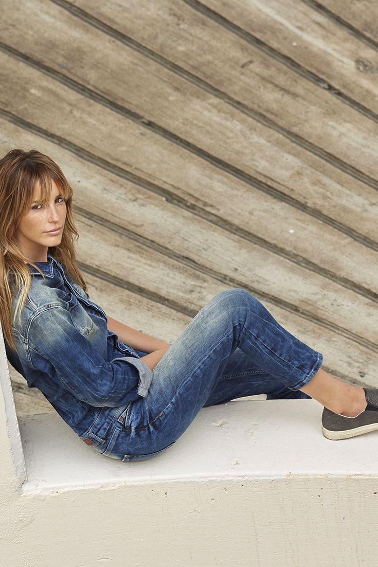 """Reinspringen und wohlfühlen: Der Jeans-Overall """"Nancie"""" von LTB ist so ein Denim-Piece, das man einmal anzieht und dann nie mehr missen möchte. Supergemütlich und megastylisch ist der Einteiler mit lässigen Used-Details für jeden Anlass zu haben."""