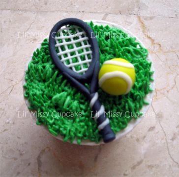 tennis racquet cupcake