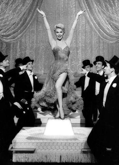 Doris Day plays the role of Ruth Etting who rises in the heights of stardom from a dancer to a major movie star. Description from lovethoseclassicmovies.blogspot.co.uk. I searched for this on bing.com/images