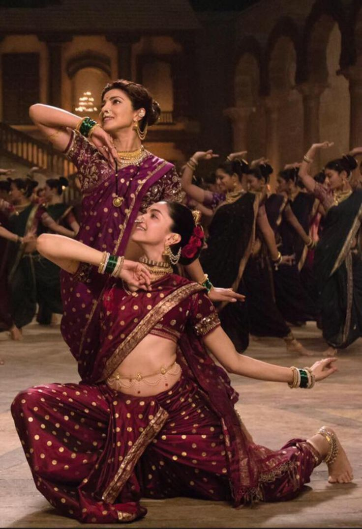Deepika Padukone and Priyanka Chopra in the #Pinga song from #BajiraoMastani.