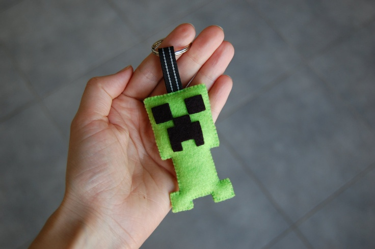 Minecraft Creeper felt plush key ring