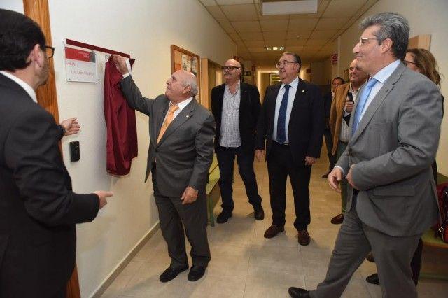 La Facultad de Veterinaria de la UMU homenajea al profesor Luis León Vizcaíno por su jubilación