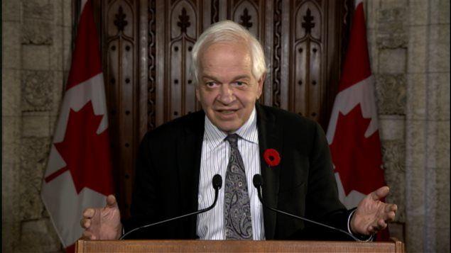 وزير الهجرة واللاجئين والمواطنة في الحكومة الكندية الجديدة جون ماكالوم في مؤتمره الصحافي بعد ظهر اليوم