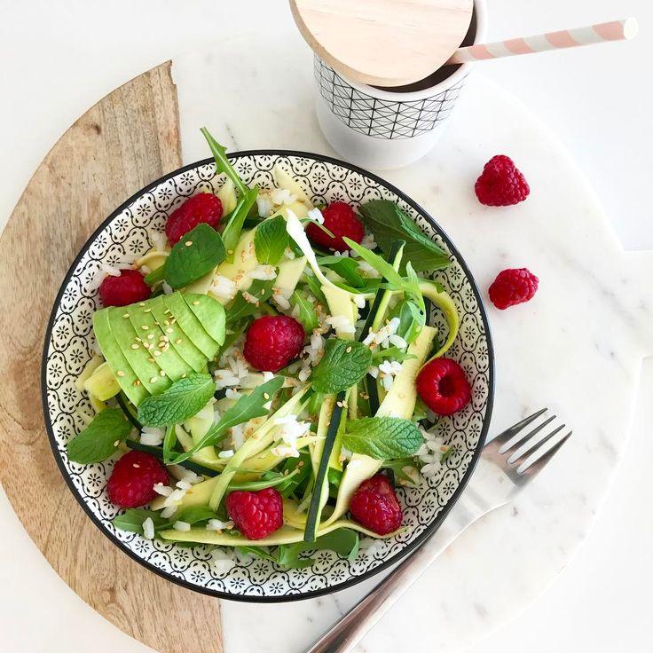 "2,360 Likes, 25 Comments - C h a r l e n e (@thebabooshka) on Instagram: ""P i n k  T o u c h #lunch #home #homemade #pausedejeuner #cooking #salade  Envie que de salade en…"""