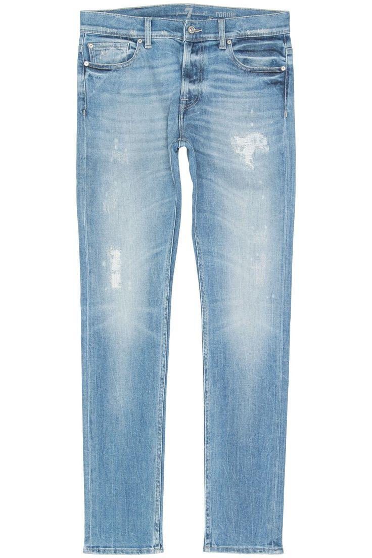 7 FOR ALL MANKIND Ronnie Bay River Lichtblauwe gewassen stretch jeans in het model Ronnie van 7 For All Mankind. Over de gehele jeans zitten meerdere vintage en destroyed plekken. De zachte denim in combinatie met stretch geven deze jeans het ultieme draagcomfort waar 7 For All Mankind natuurlijk zo bekend om staat.