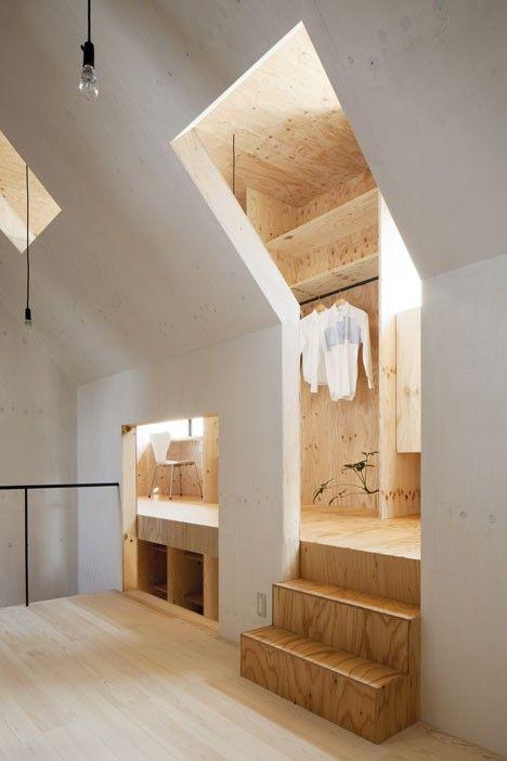 ZOLDER: kapconstructie zichtbaar, andere indeling vereist. Ruimte in ruimte. Werkfuncties in buitenschil, verborgen. Binnenruimte vrij en flexibel indeelbaar