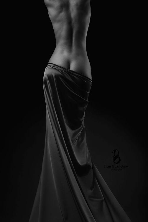 women are beautiful, photography, black & white    http://pinterest.com/kythoni