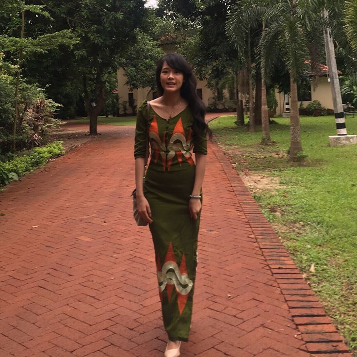 simple casual myanmar traditional dress #JadegreenOrangeVinilla #MyanmarDressFashion