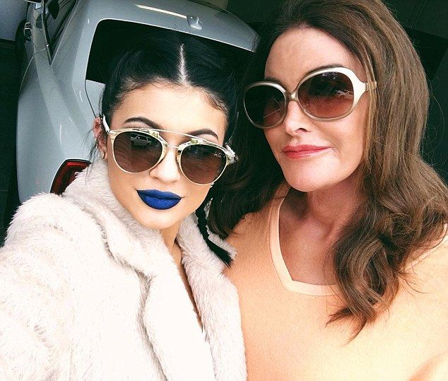 Standing up to bullies: The Keeping Up With the Kardashians beauty was seen given her fath...