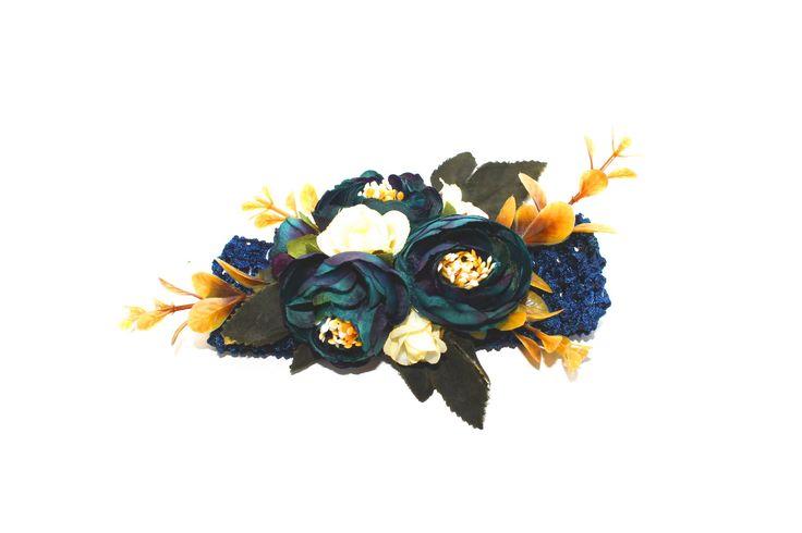 Купить или заказать ободок венок из цветов из пионовидных роз в нежных тонах, яркий, розовый, белый, голубой с ягодами из лаванды венок для невесты ободок из цветов для невесты цветы ободки гребешки нежный гребень. Колье из цветов. Повязки для малышки повязка для детей