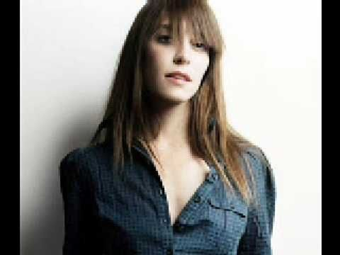 "Feist and Ben Gibbard doing a beautiful cover of ""Train Song"" by Vashti Bunyan. LOVE."