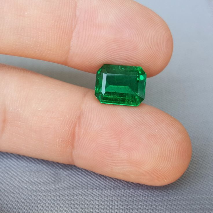 Emerald 4.57 ct Total price: $25775 Treatment: oil Dimensions (mm): 11.2x9x5.5 Origin: Zambia ID:  em-457-1