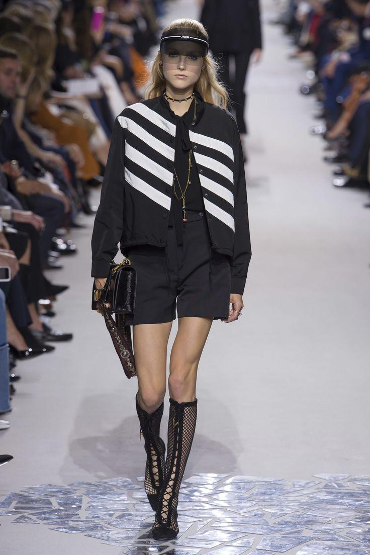 Christian Dior Spring 2018 Ready-to-Wear Fashion Show - Kirin Dejonckheere