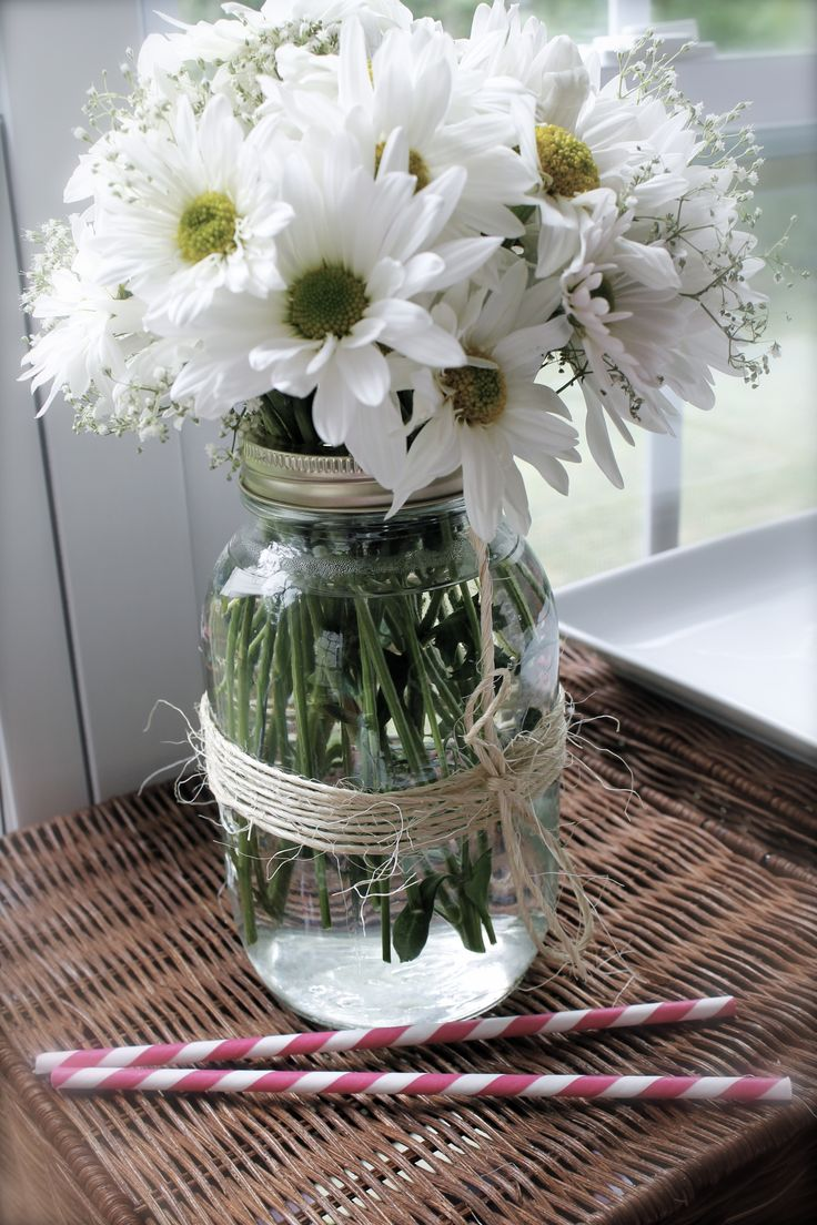 bridal shower country theme mason jars with twine, dasies, and babys breath