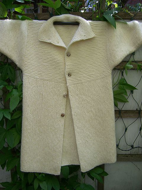 Einstein Coat by Sally Melville Published in  The Knitting Experience: Book 1: The Knit Stitch ~ on Ravelry ~ meets my guidelines; it's Garter stitch ~