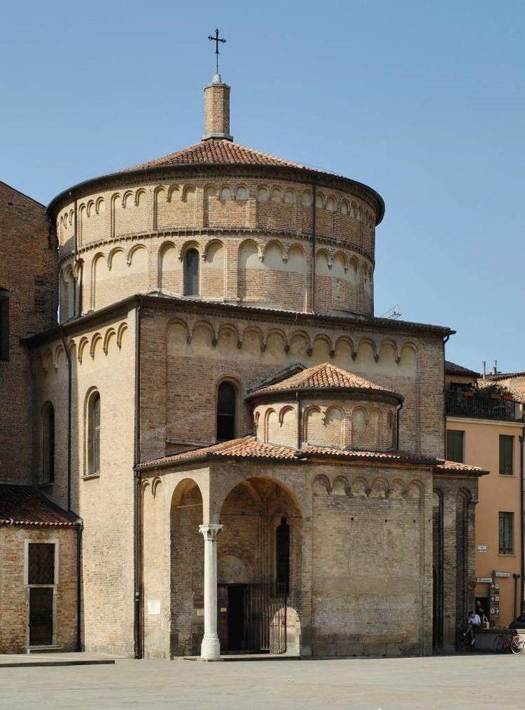 Padova - Il Battistero del Duomo, dedicato a San Giovanni Battista. #battistero #duomo