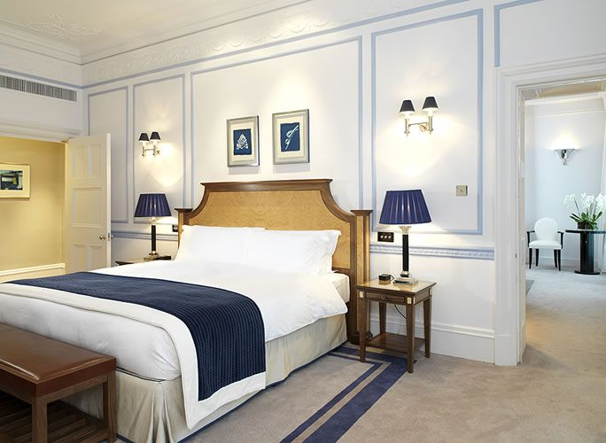 Claridges london hotel room american hotel furniture for Furniture jobs london