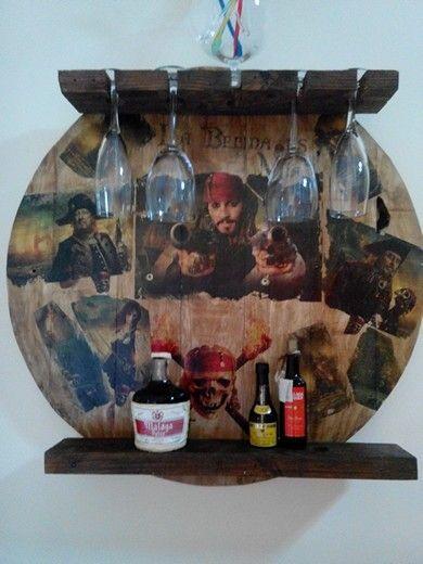 #Botellero pirata en #madera de #palet