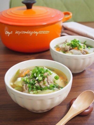 超簡単!お店みたいな食べるスープ♪豚肉とたっぷり野菜の豚汁風 ...