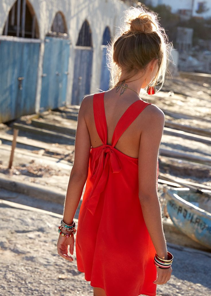 Sézane - Robe Clara Girls just wanna have fun www.sezane.com #sezane #girlsjustwannahavefun #collectionete #summeriscoming